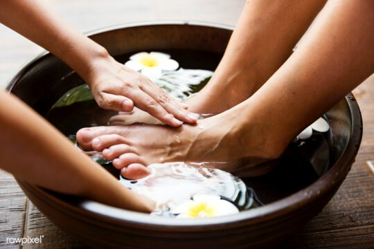 health benefits from foot reflexology_foot_bath