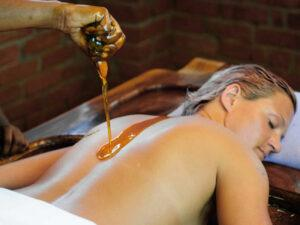 ayurveda rejuvenation treatment 5 anti aging techniques-abhyanga
