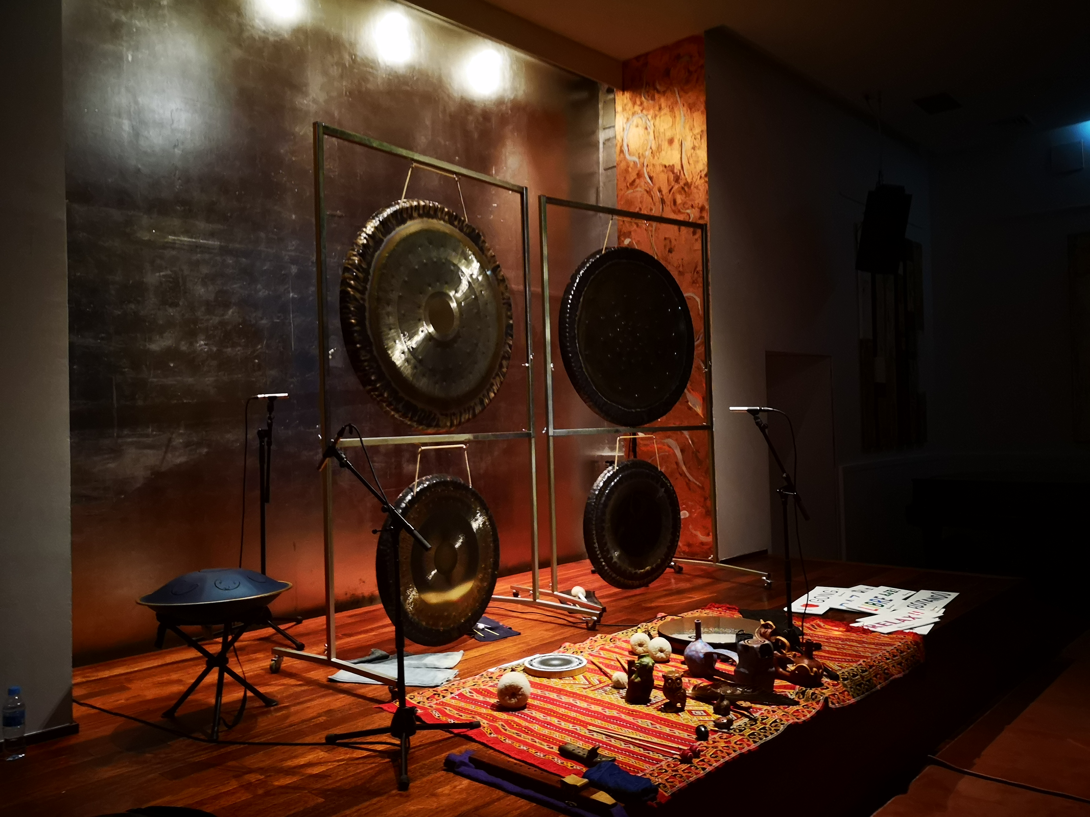 gong bath class-stage