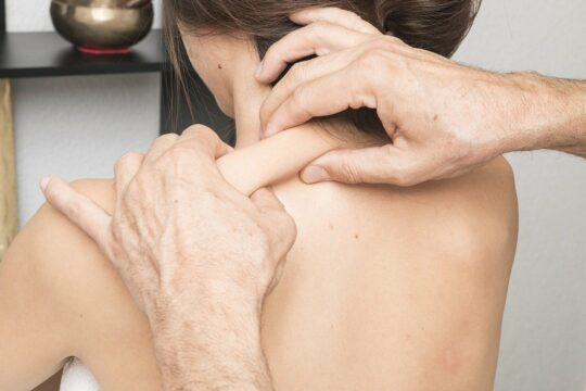 full body massage therapy techniques_pinching