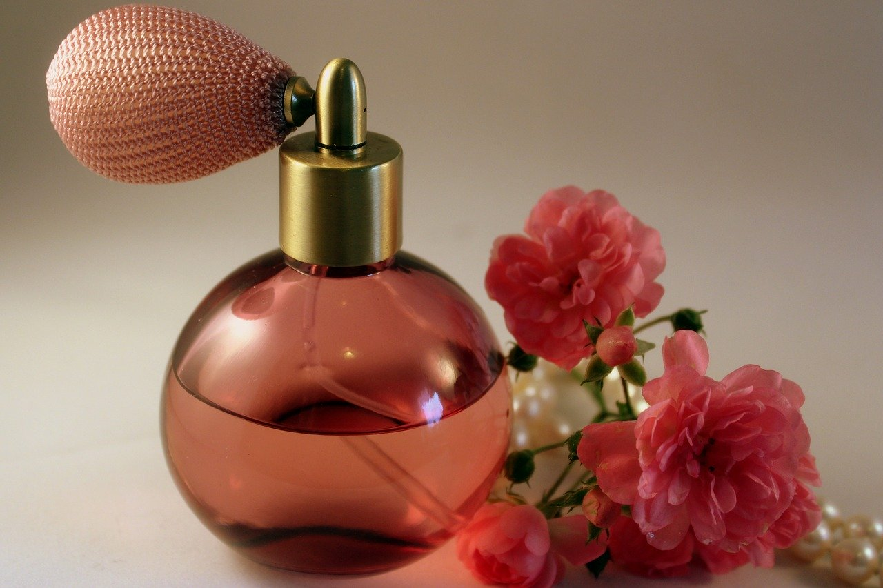 Best Uses for Essential oils-perfume