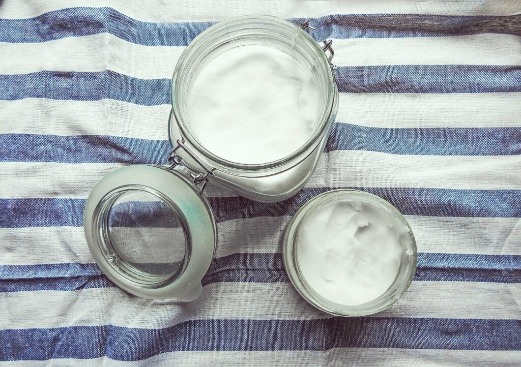 how-to-have-healthy-hair-naturally-coconut-oil